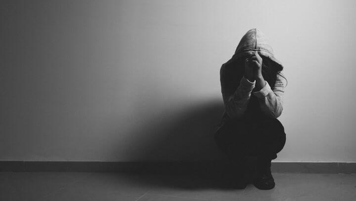 Anksiyete Nedir? Anksiyete Bozukluğu Belirtileri Nelerdir?